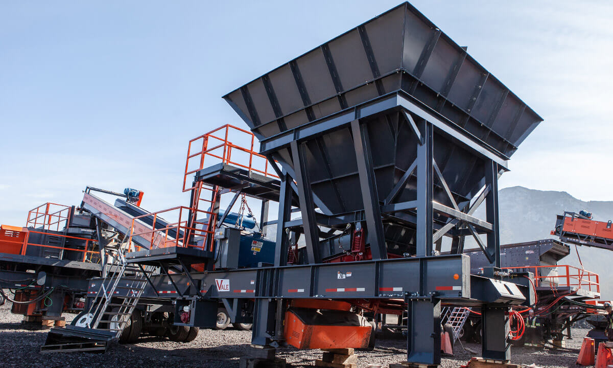 portable hopper for mining quarry in Canada